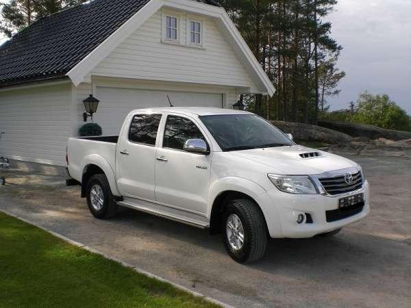 Toyota hilux 3.0 l.171 hk