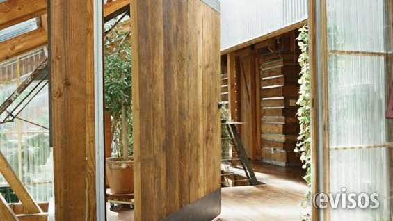 Porta pivotantes de madeira de demolição