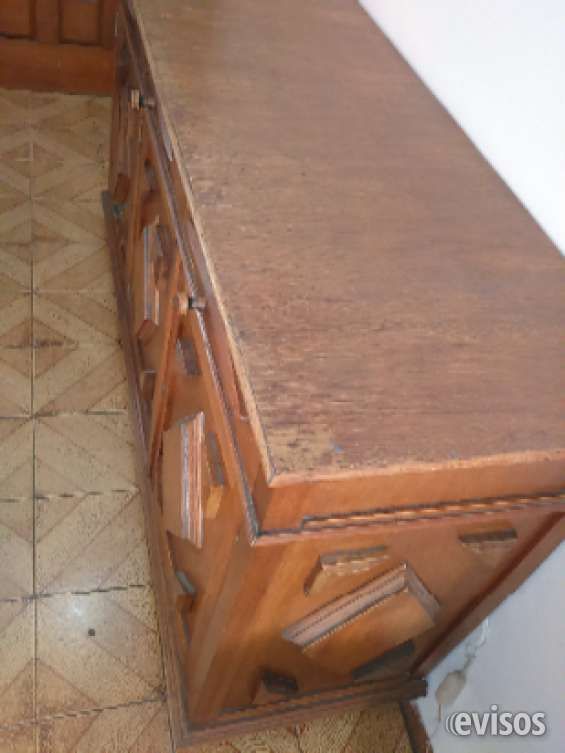 Móveis antigos duas cômodas de madeira pura