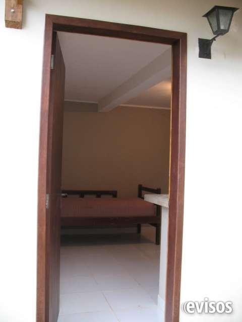 Alugo casa de 01 quarto