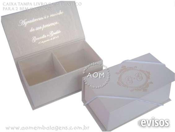 Fotos de Caixa tampa livro para 2 bem casados. personalizada.