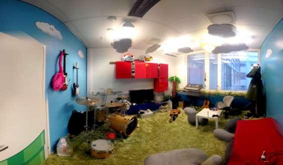 Isolamento e tratamento acústico teto e paredes.