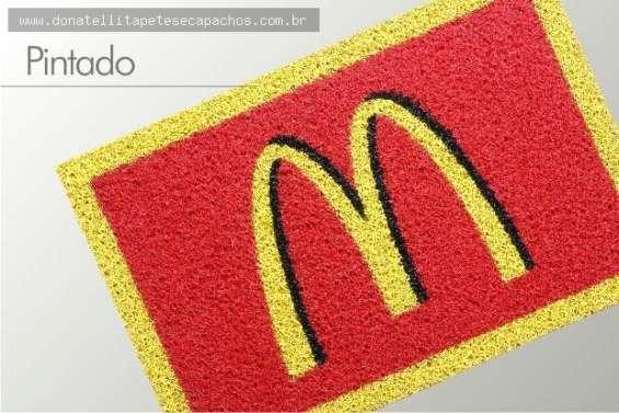 Tapeteli tapetes e capachos personalizados