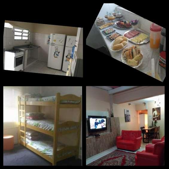 Hostel com quartos masculino e feminino