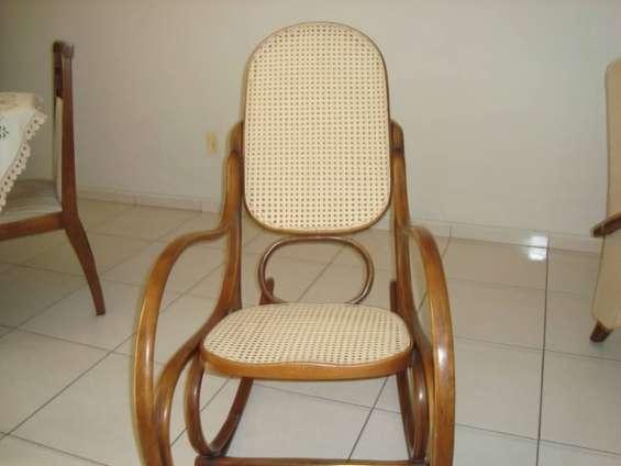 Empalhador de cadeiras moveis etc