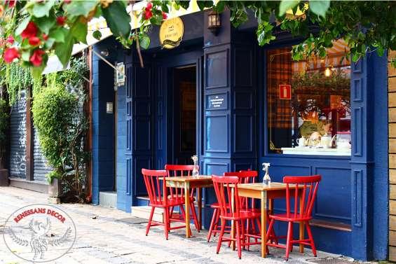 Fachada de loja com boiserie, estilo europeu francês e provençal