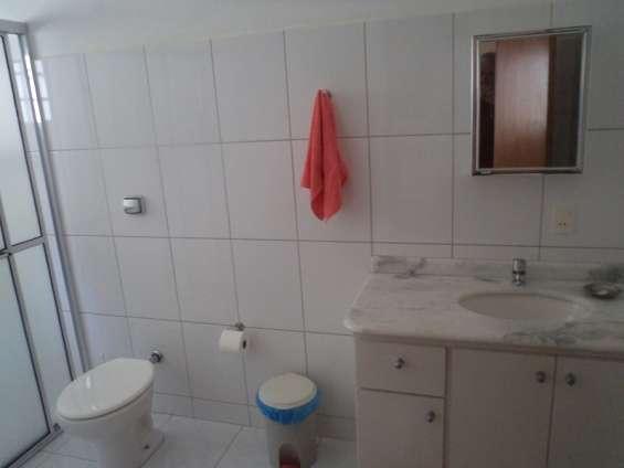 Banheiro suite a